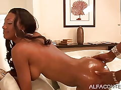 tattooed porn : wet creamy pussy, free porn clips